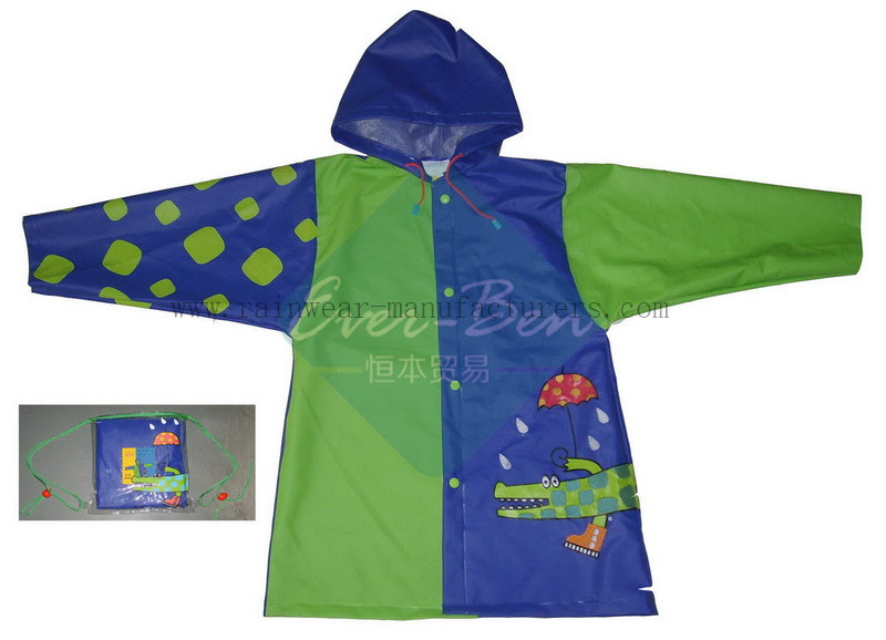 China pvc mac for kids-Green plastic hooded rain mac pocket supplier-womens plastic raincoats