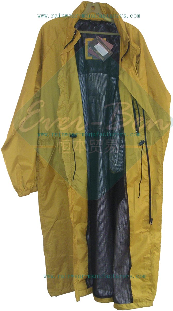 Yellow nylon rain suit with long size-nylon overall