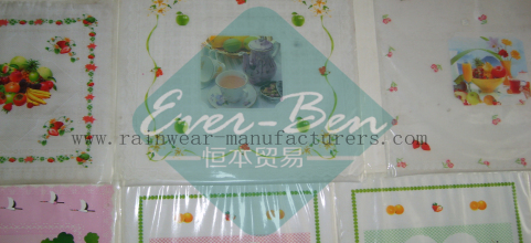China cheap vinyl tablecloth supplier